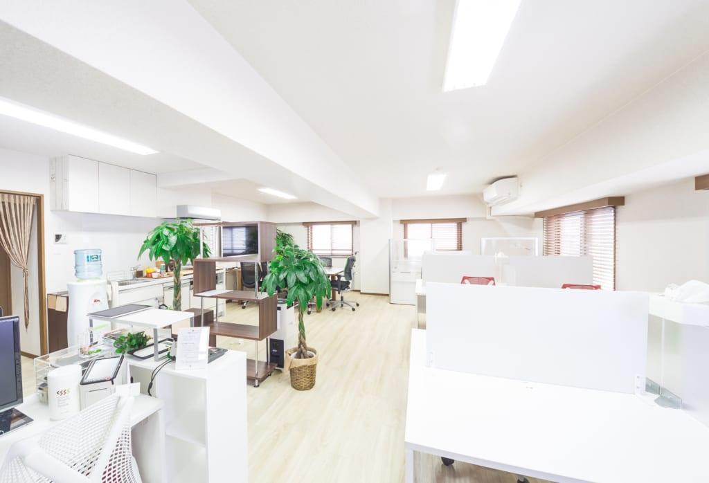 【インテリアデザイナー】オフィスデザインをお任せします◆女性も活躍中◆