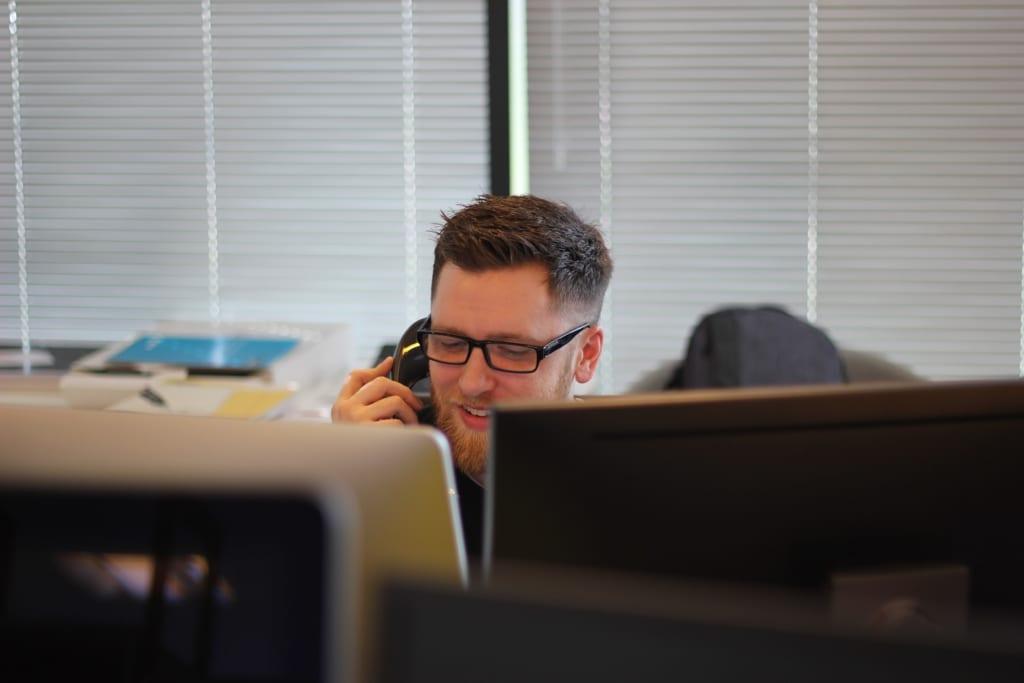 【在宅勤務】光回線の契約内容確認の電話担当(クローザー)<高単価成功報酬>